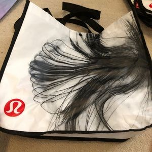 3 large Lululemon shopper tote bags